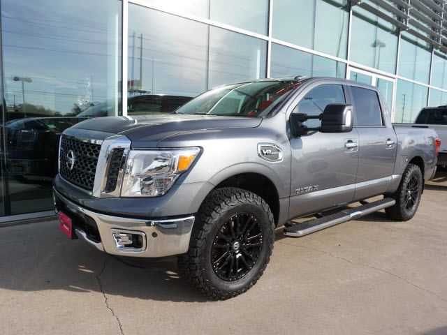 new 2017 nissan titan sv 4x4 sv 4dr crew cab in conroe. Black Bedroom Furniture Sets. Home Design Ideas